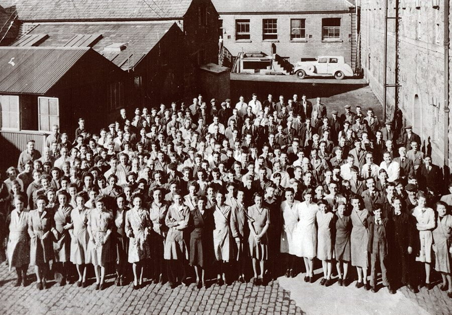 1BAF employees outside Maltings Bld Feb 1942